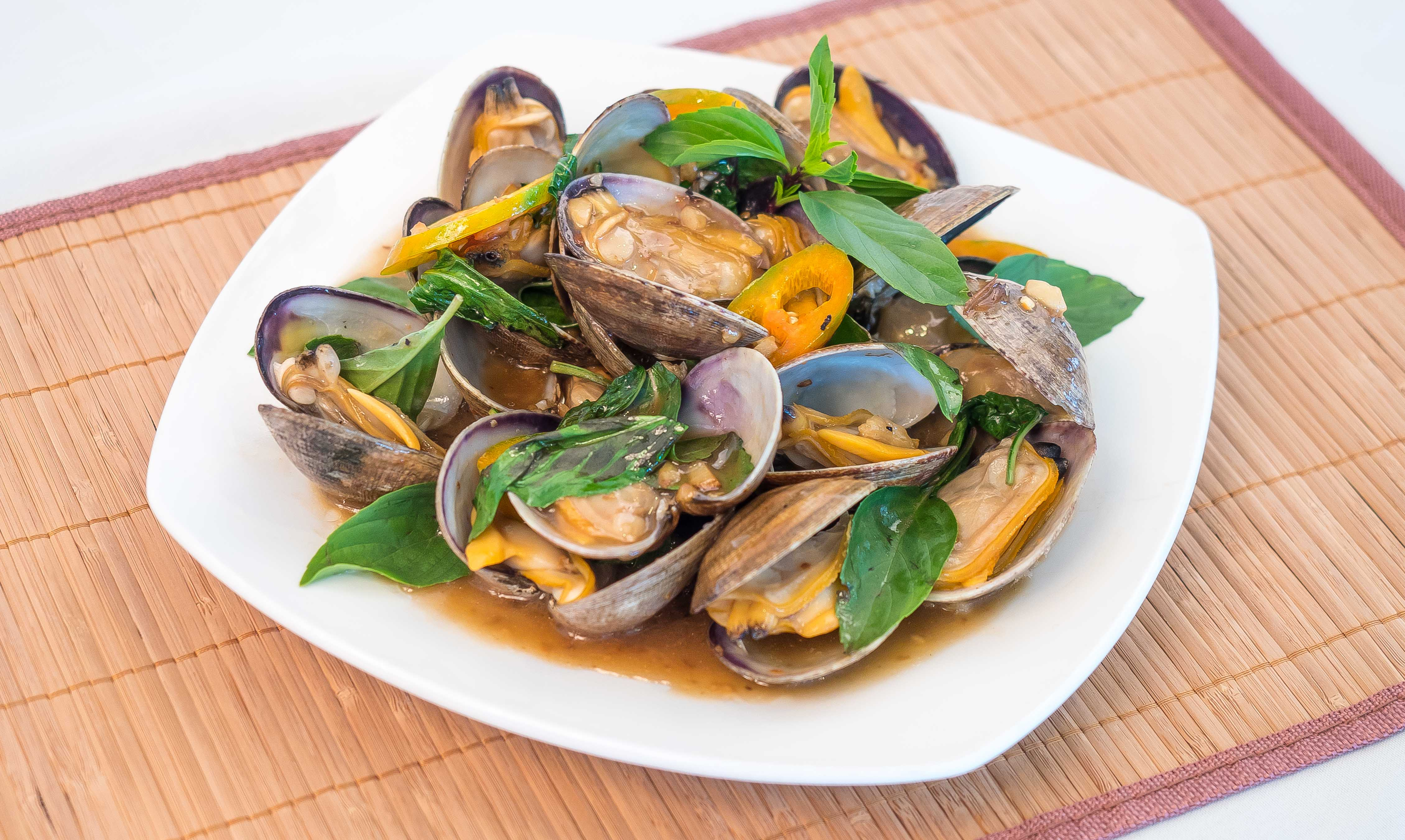 clams-with-basil-garden-grove